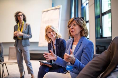 Women sharing ideas