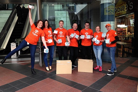 New Zealand team members volunteering together.