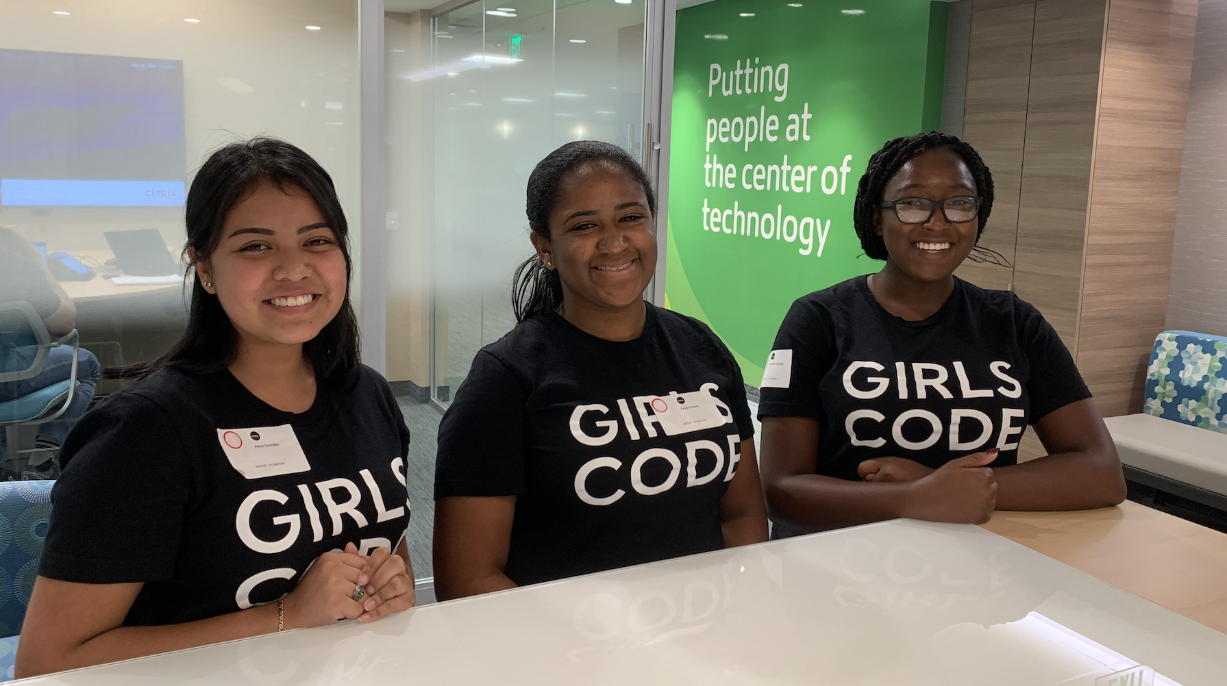 Girls Who Code Visits the Citrix HQ