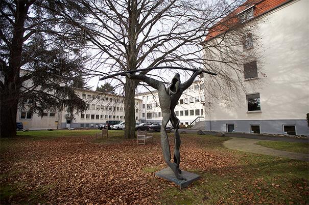 Bonner Statue