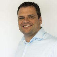 Photograph of Menno Smits