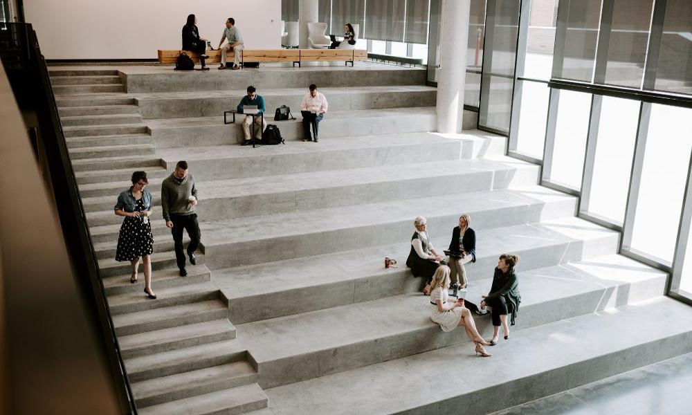 Social Steps in HQ